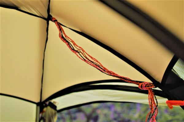 ドマドームライト1のテント内のループ