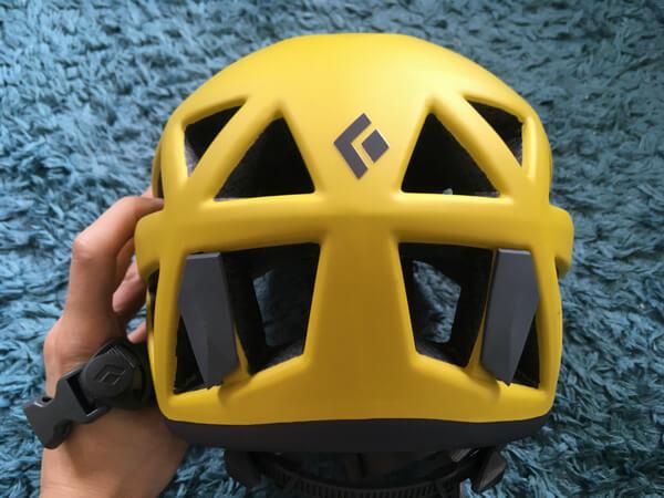ブラックダイヤモンドベクターのヘルメット後頭部