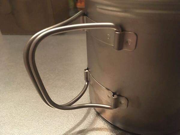 バーゴのチタニウムボットのハンドルの写真