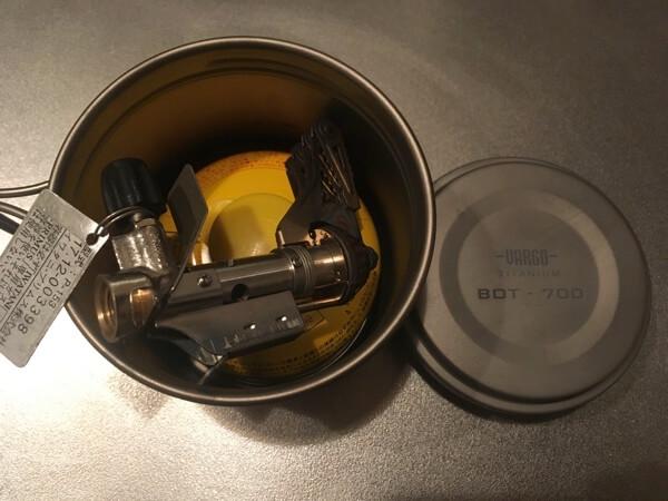 チタニウムボットに110のOD缶を入れた写真