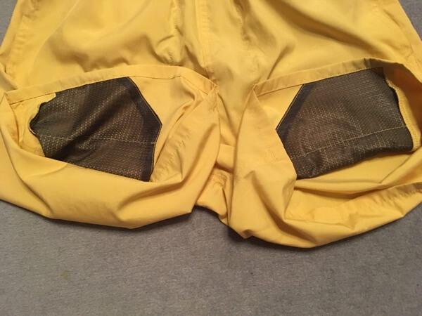 パタゴニアのバギーズライトのポケットの内側